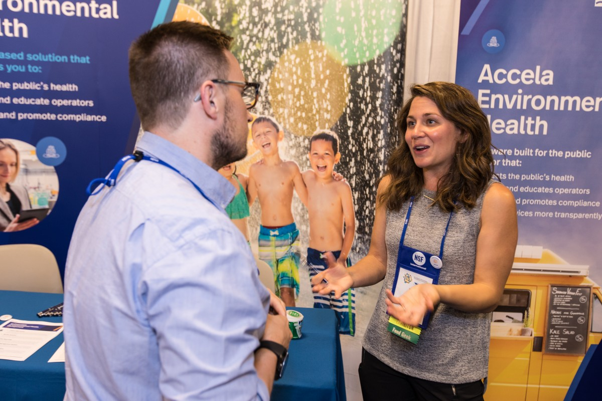 exhibitor and attendee chat during the 2019 AEC exhibition