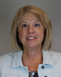 headshot of Gail Vail